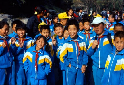 Photo of Chinese schoolchildren: Helping children protects their future, and gives them happy lives.
